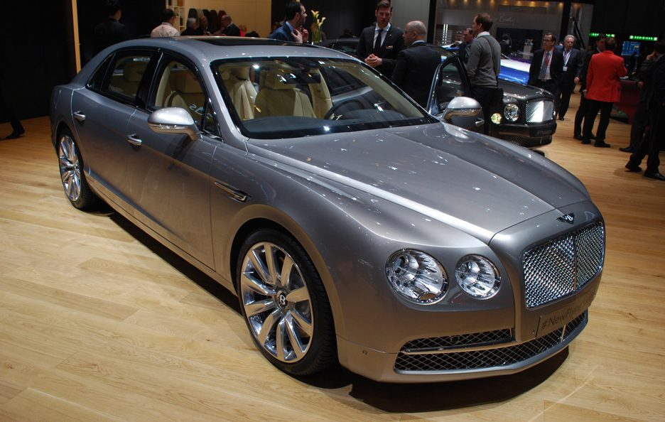 Bentley Flying Spur - Profilo frontale - Ginevra 2013