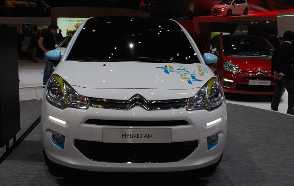 Citroën C3 Hybrid Air - Frontale - Ginevra 2013