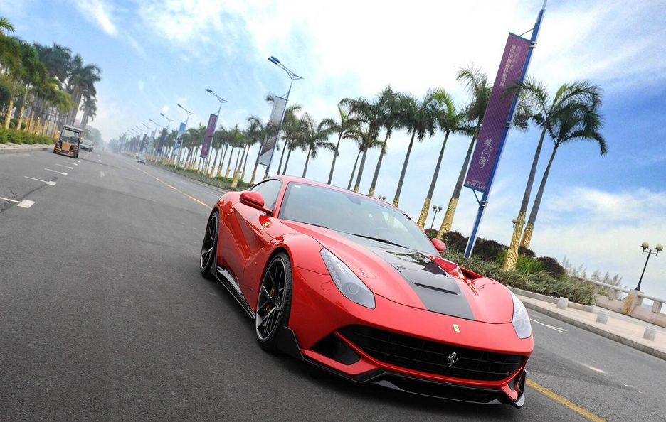 DMC - Ferrari F12 Spia - Frontale in motion