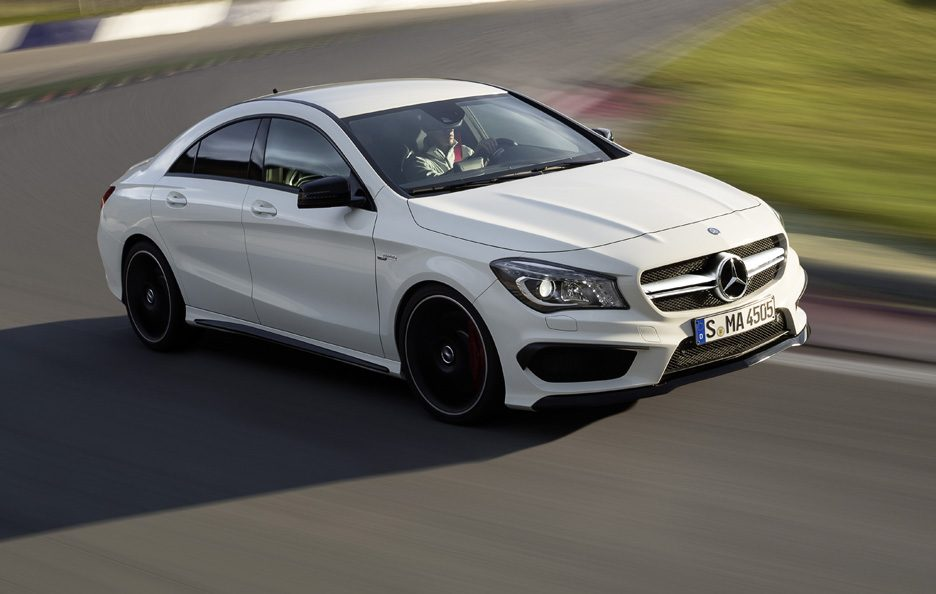 Mercedes CLA 45 AMG - Anteriore in motion