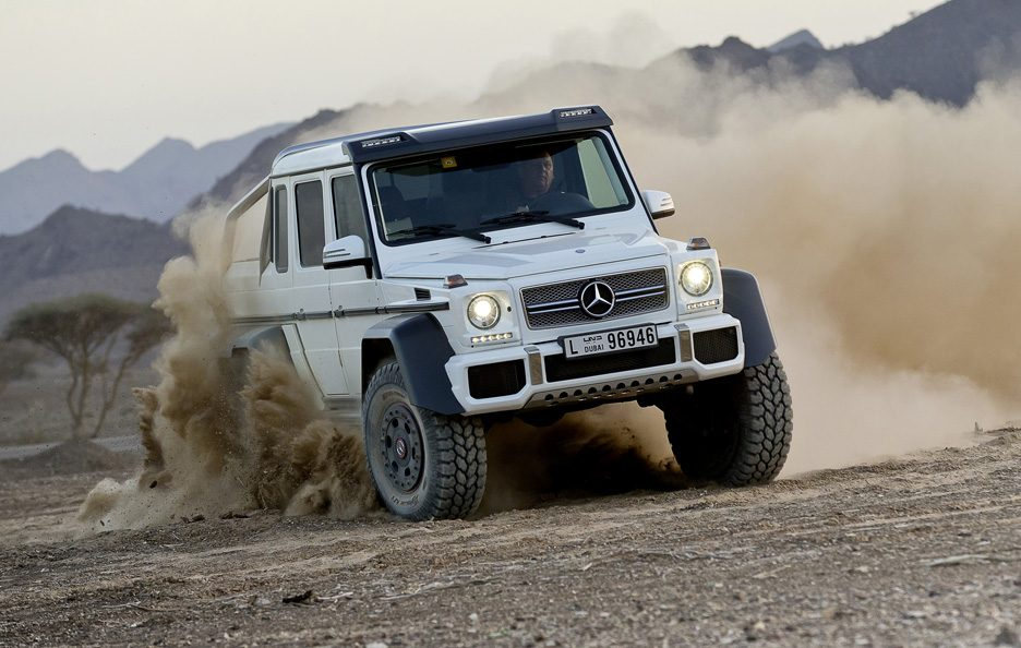 Mercedes G 63 AMG 6x6 - Frontale in motion