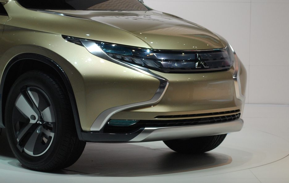 Mitsubishi GR-HEV Concept frontale - Ginevra 2013