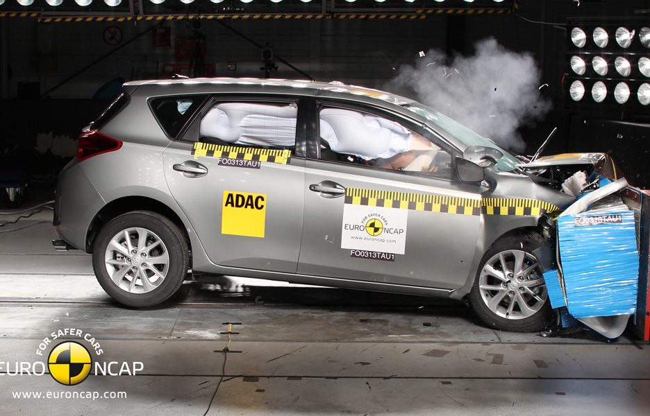 Toyota Auris - crash frontale