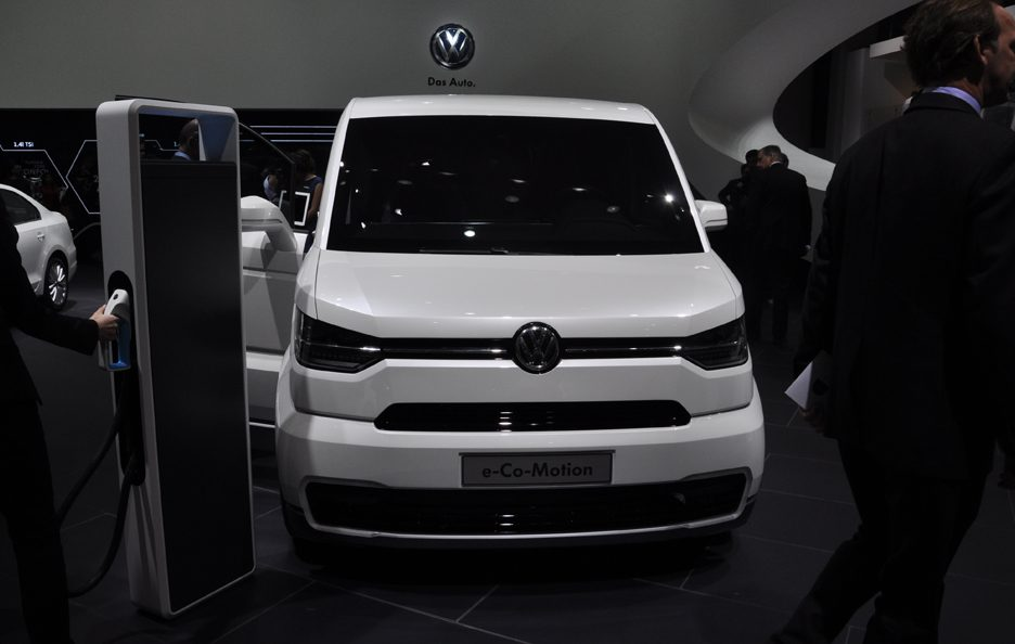 Volkswagen e-Co-Motion - Frontale - Ginevra 2013