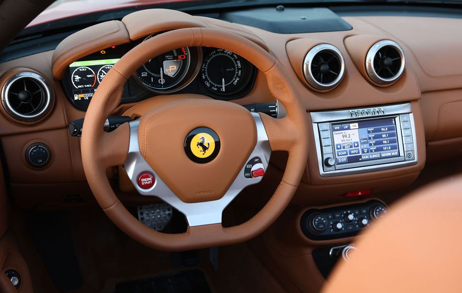 Ferrari California interni