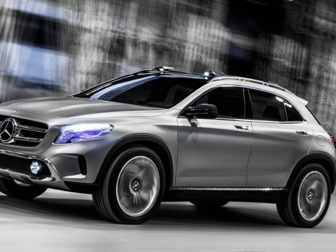 Mercedes GLA Concept - In motion