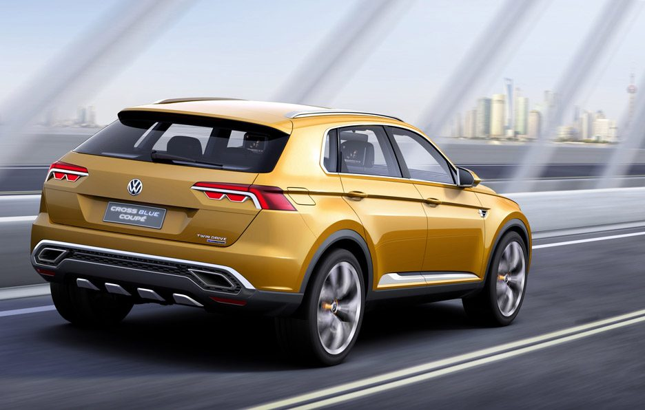 Volkswagen CrossBlue Coupé Concept - Posteriore in motion