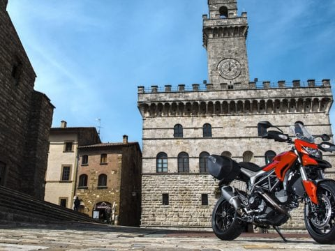 Ducati Hyperstrada, il video