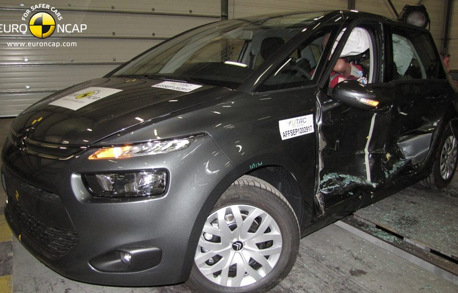 Citroën C4 Picasso - crash laterale