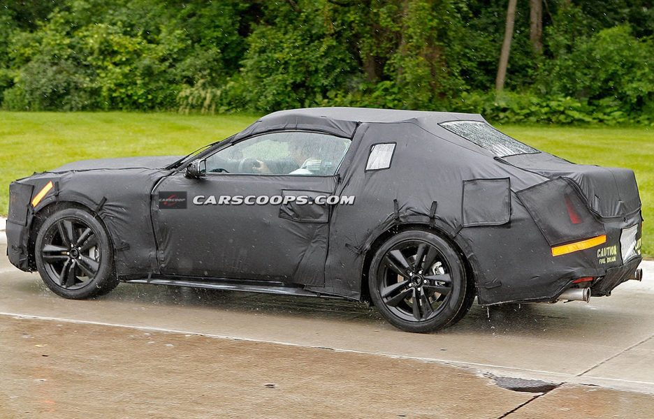 Ford Mustang Coupè 2015 - Profilo