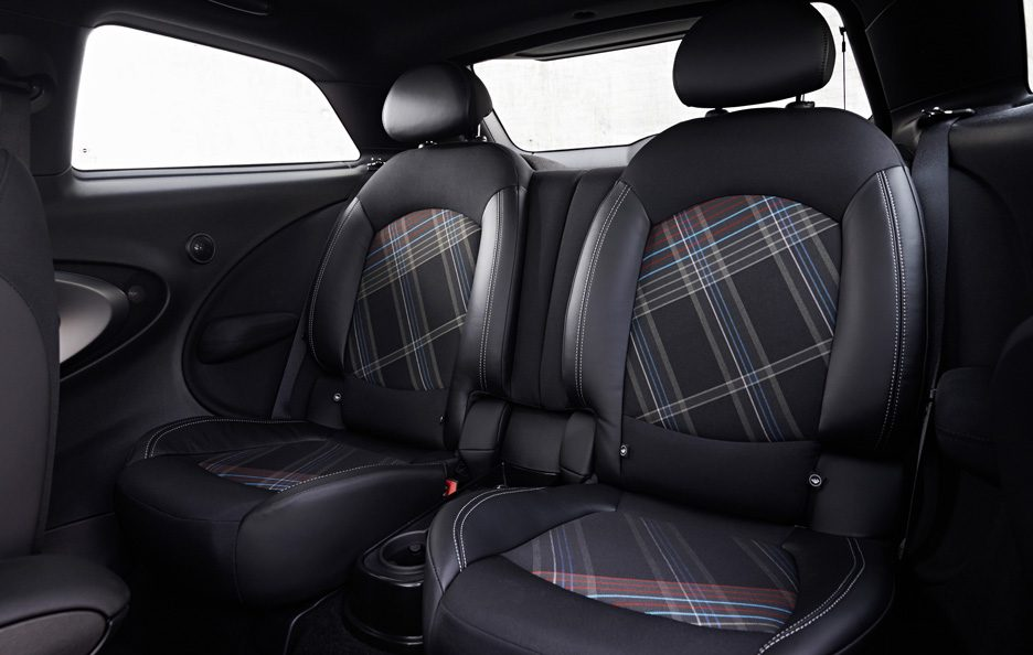 MINI Cooper S Paceman ALL4 Interior. jpg