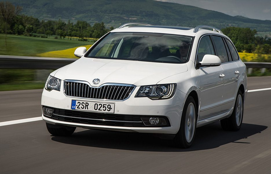 Skoda Superb Wagon - Frontale