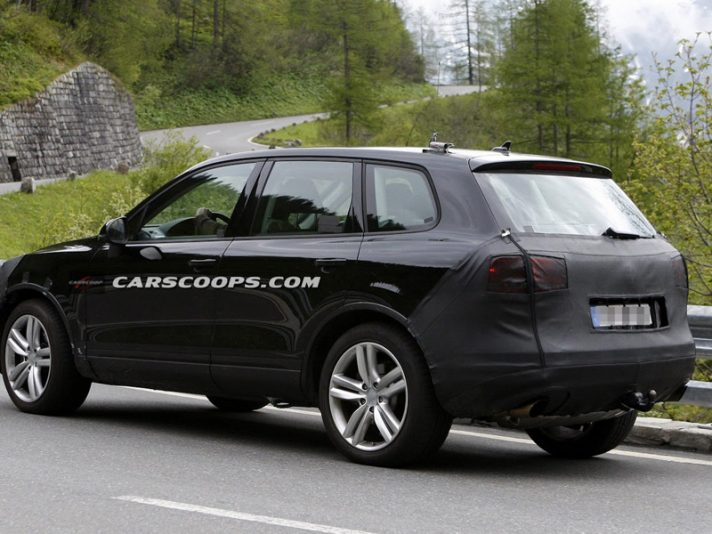 Volkswagen Touareg Restyling, le foto spia