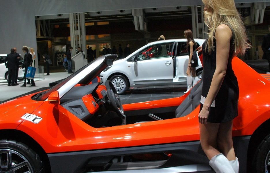Motor Show 2011 - Volkswagen buggy up! - Vista laterale