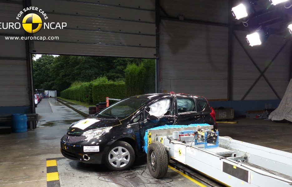 Nissan Note - crash laterale