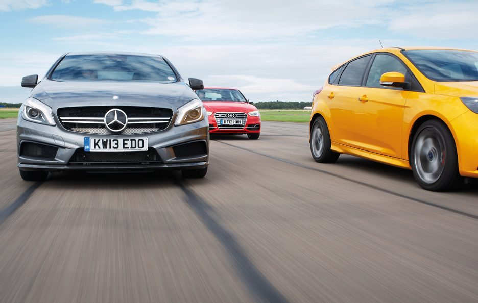 Mercedes A 45 AMG, Ford Focus ST e Audi S3 SPB frontale