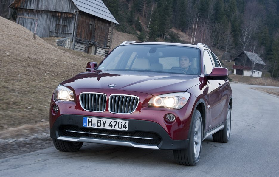 BMW X1 XDrive 28i - Frontale in motion