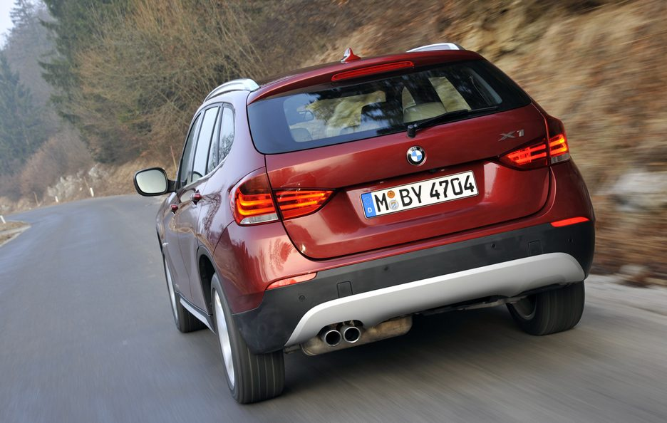 BMW X1 XDrive 28i - Posteriore in motion