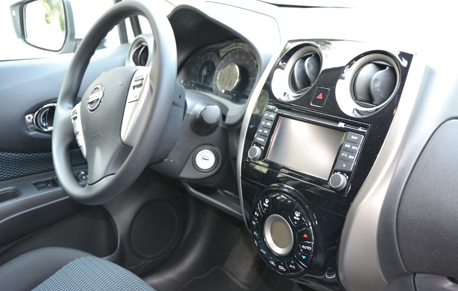 Nissan Note interni 2