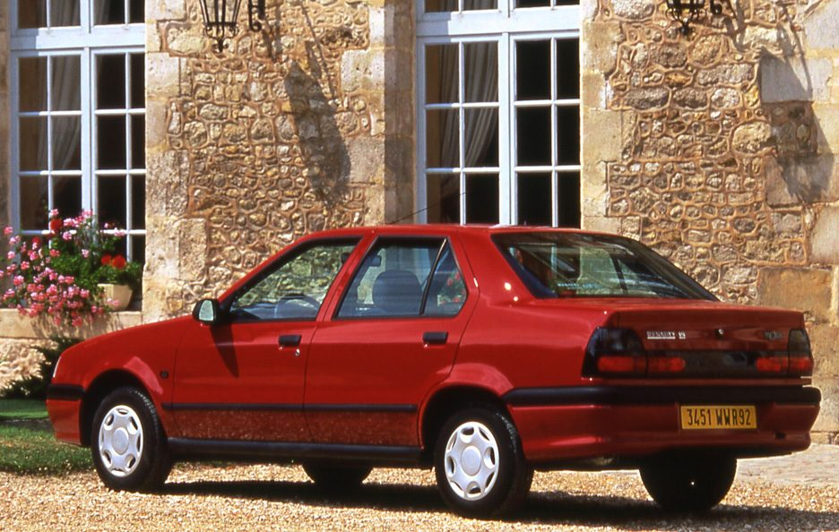 Renault 19 Chamade restyling tre quarti posteriore