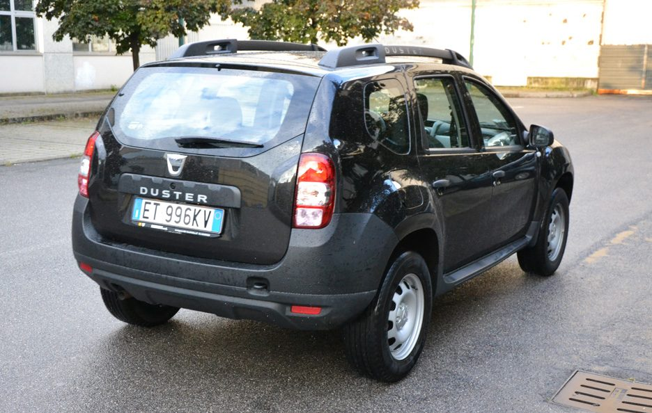 dacia duster 1 5 dci 90 cv prezzi e consumi prova su strada panoramauto. Black Bedroom Furniture Sets. Home Design Ideas