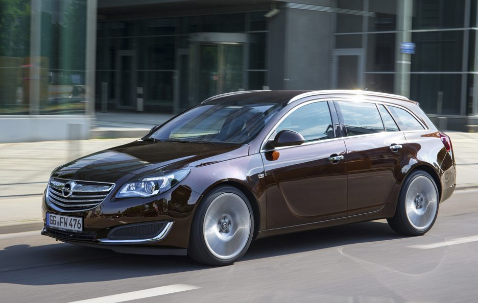 2013 - Opel Insignia Sports Tourer restyling