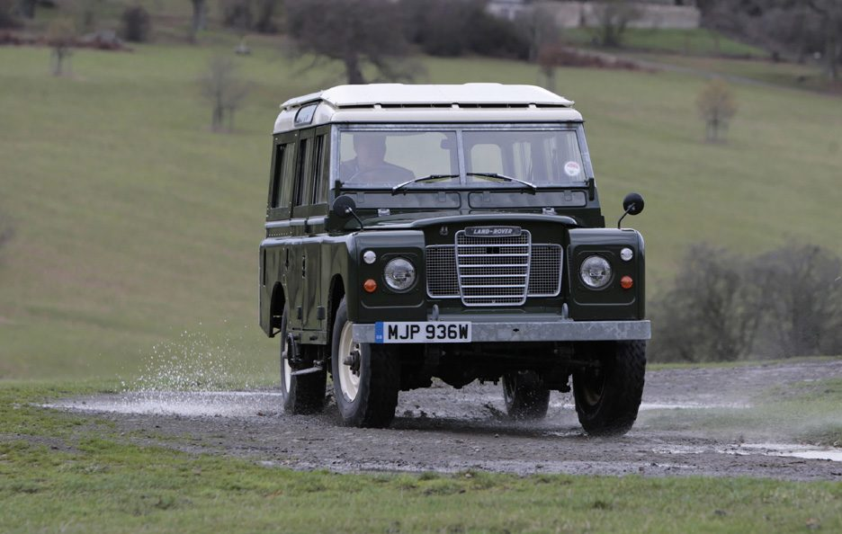 Land Rover Series III frontale