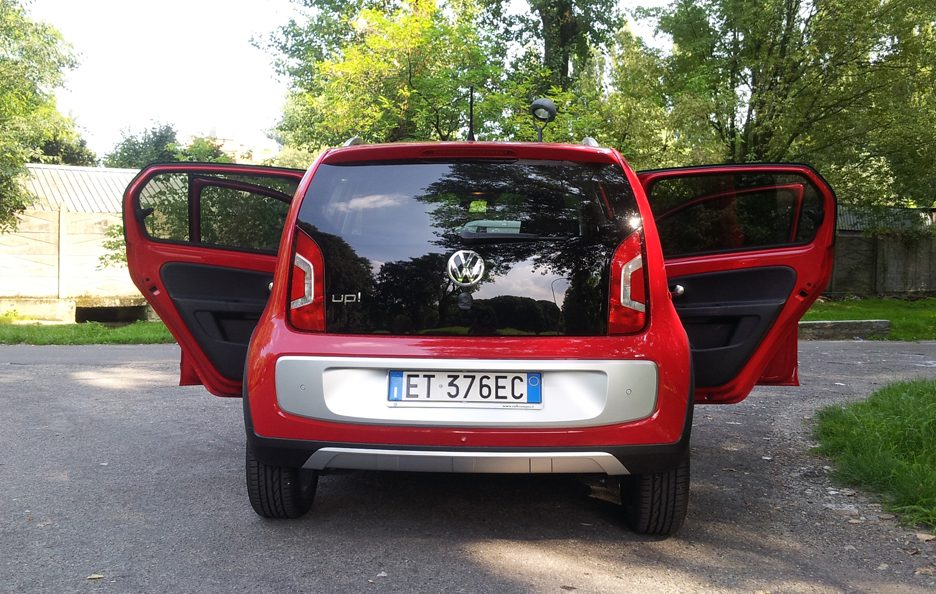 Volkswagen cross up! porte aperte