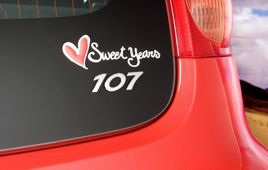 Peugeot 107 restyling logo Sweet Years