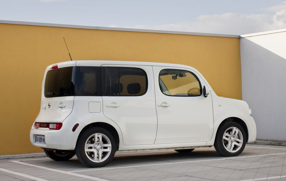 nissan cube la storia auto story panoramauto. Black Bedroom Furniture Sets. Home Design Ideas