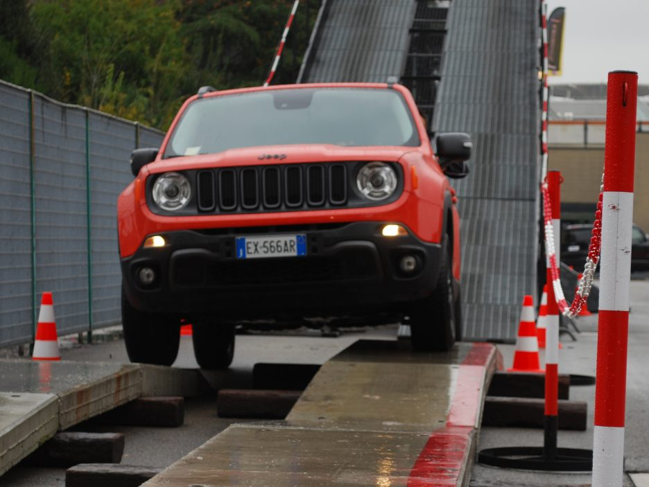 Jeep Renegade frontale 3