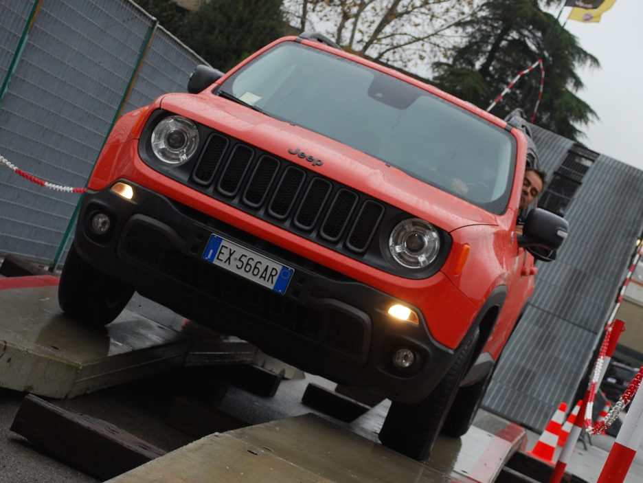 Jeep Renegade frontale 4