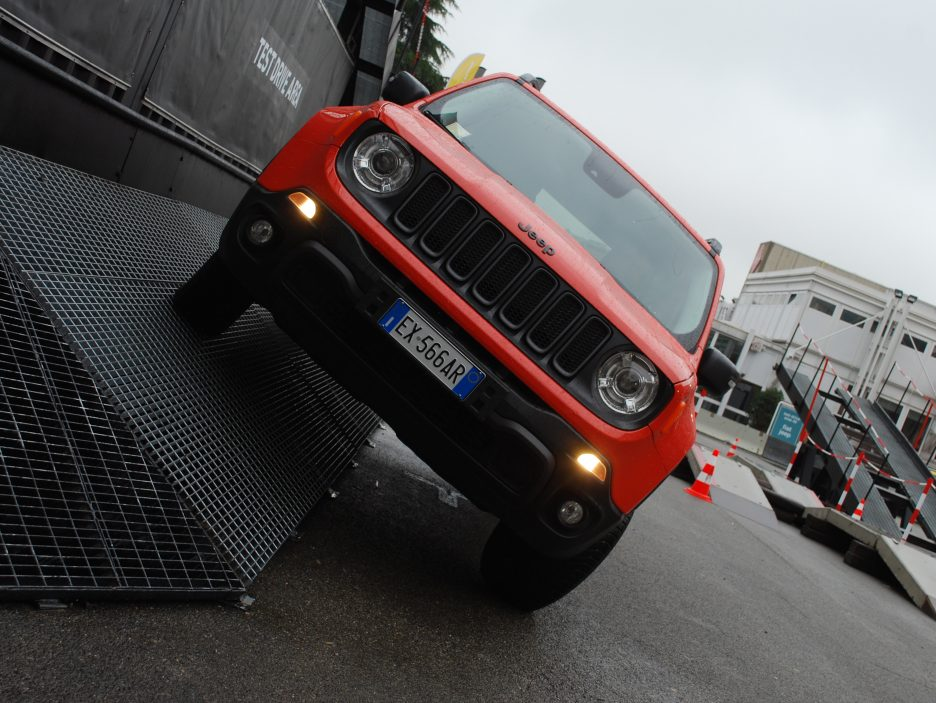 Jeep Renegade frontale 5