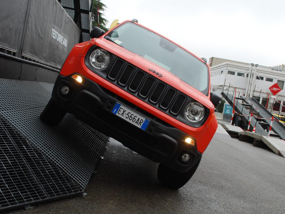 Jeep Renegade frontale 6