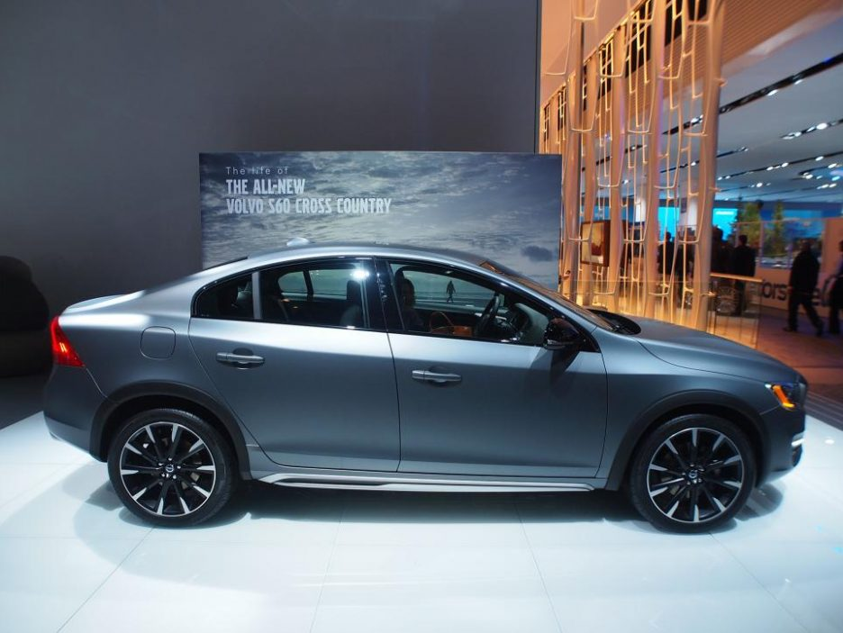 Salone di Detroit 2015 - Volvo S60 Cross Country
