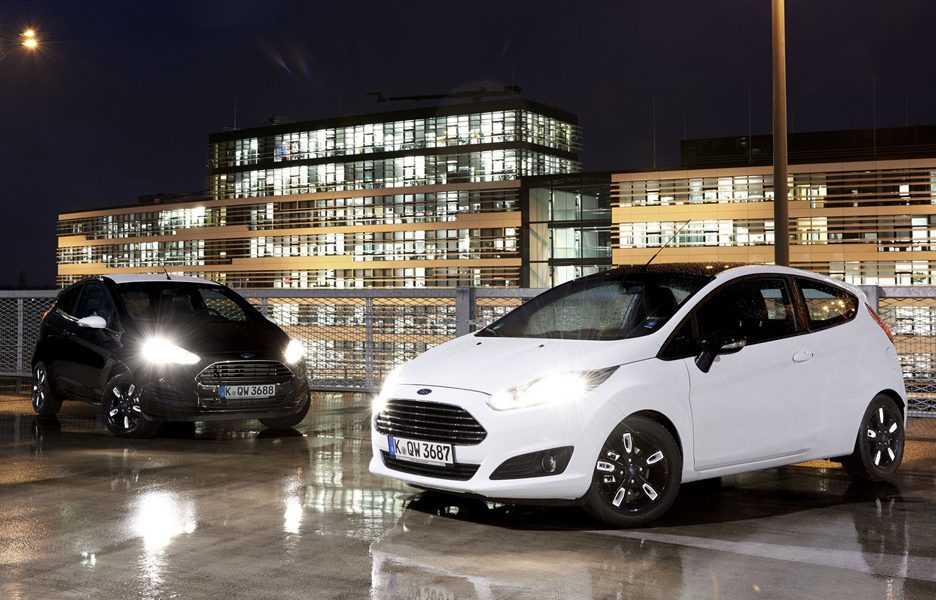 Ford - Fiesta e Ka Black and White