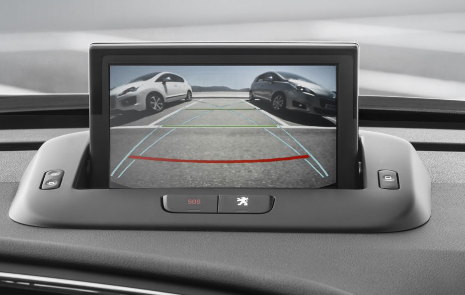 Peugeot 3008 restyling telecamera posteriore