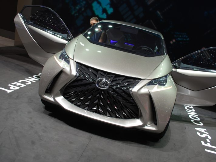Lexus LF-SA: la mini-fighter a Ginevra