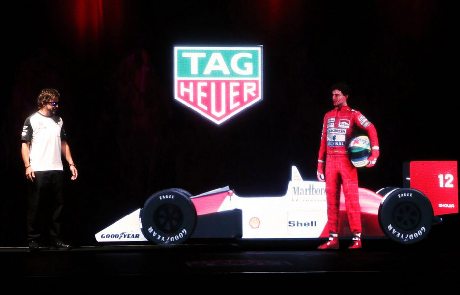 Alonso_with_Senna_Hologram_2[1]