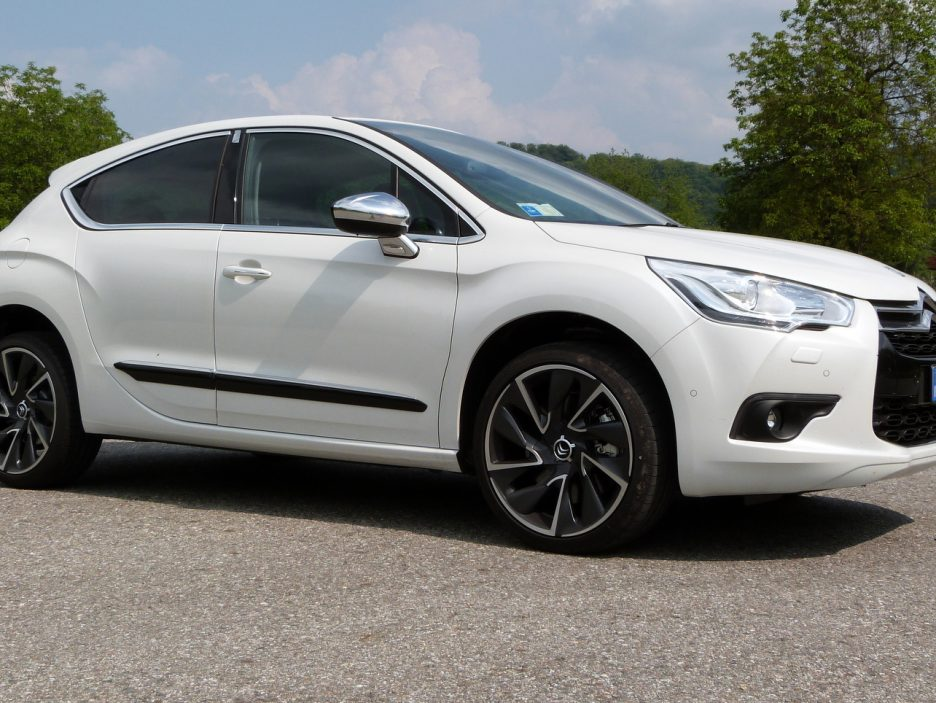 DS 4 in posa