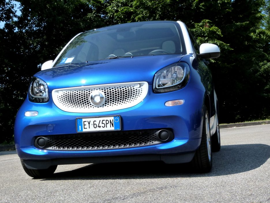 SMART Fortwo frontale dal basso