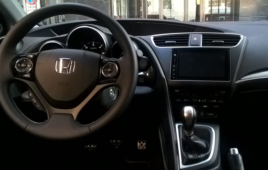 Honda Civic Tourer interni 2