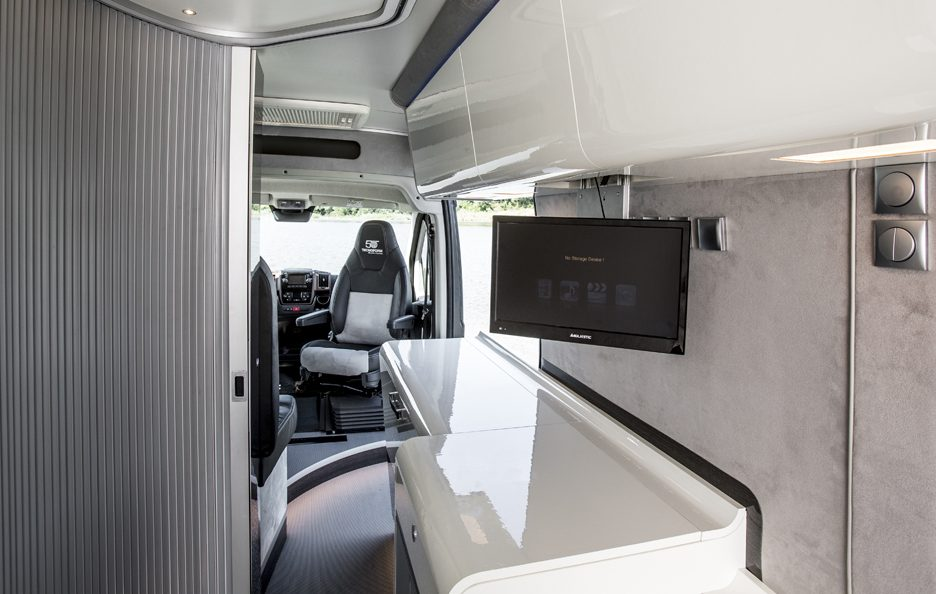 Fiat Ducato 4x4 Expedition TV