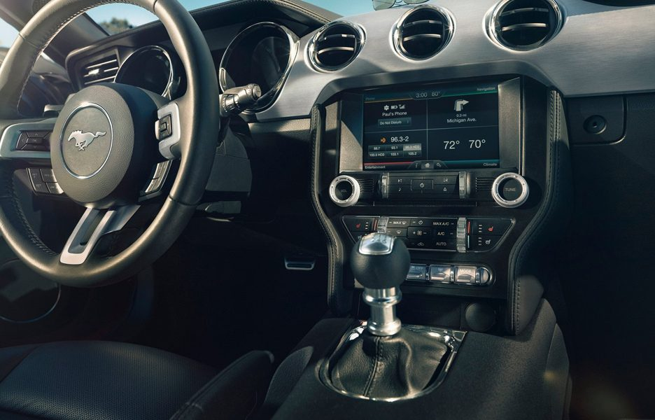 ford mustang cambio manuale