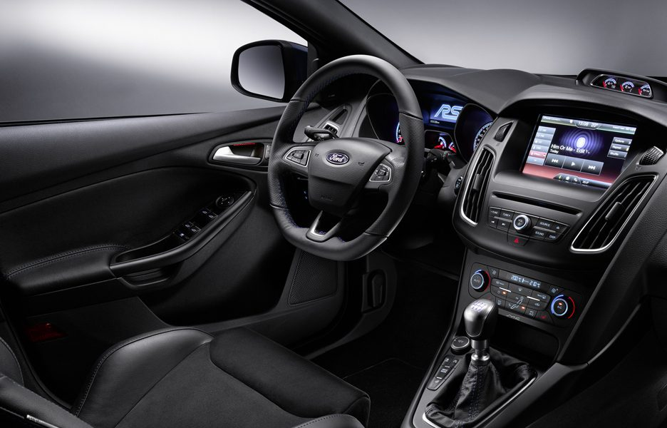ford-previews-all-new-ford-focus-rs-fordfocusrs_interior_01