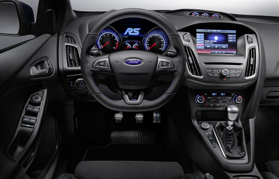 ford-previews-all-new-ford-focus-rs-fordfocusrs_interior_02