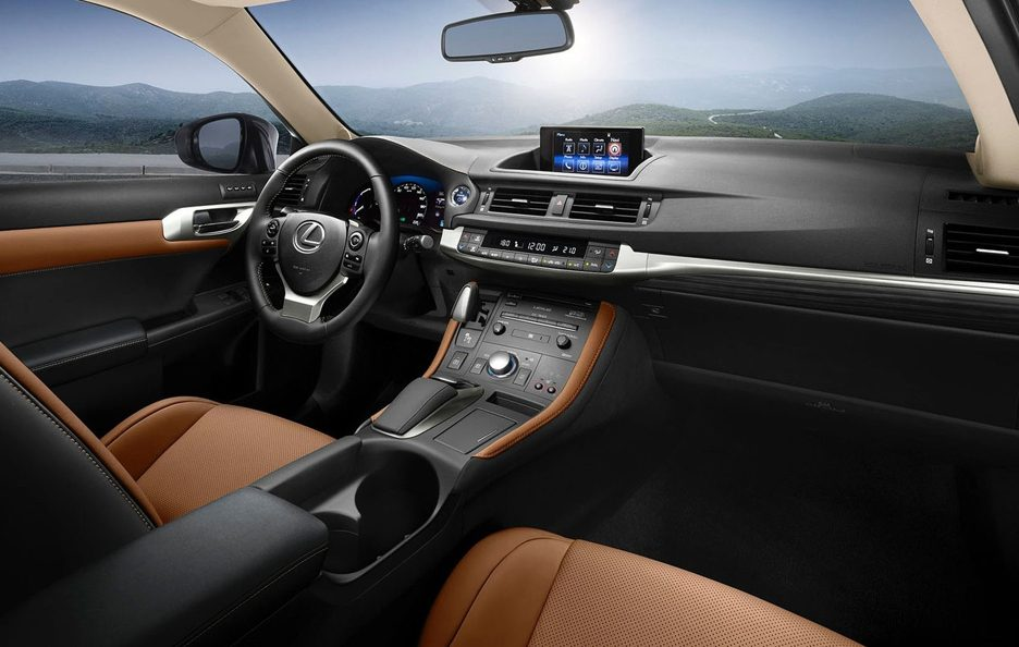 Lexus CT interni