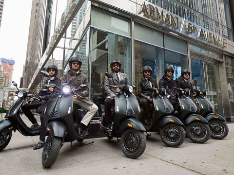 Vespa 946 Armani New York 01jpg