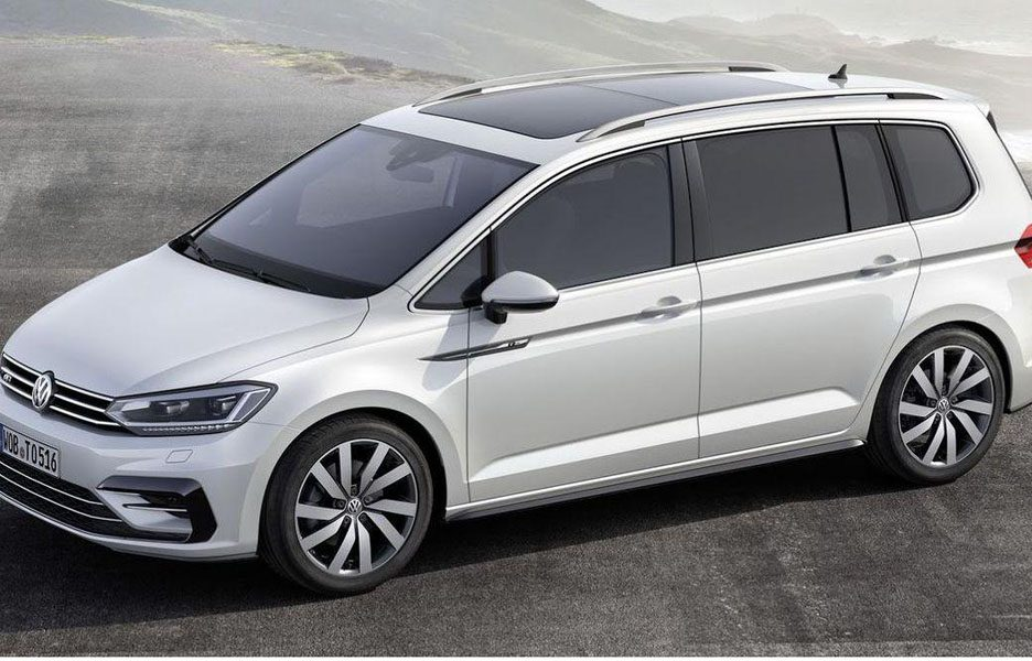 volkswagen touran r line anteprime panoramauto. Black Bedroom Furniture Sets. Home Design Ideas