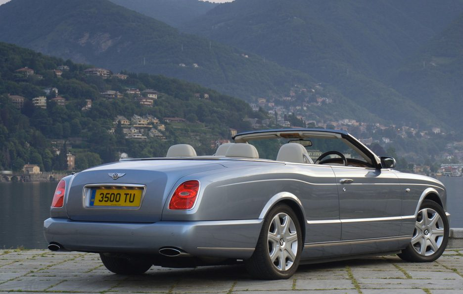 Bentley Azure tre quarti posteriore